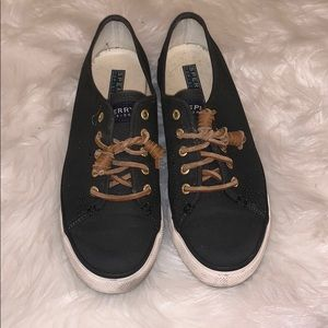 Sperry Woman's Size 6.5